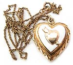 10445 Vintage Gold Locket