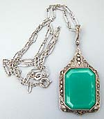 10456 Art Deco Chrysoprace Pendant
