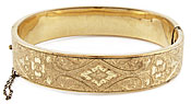10975 Victorian gold engraved bangle bracelet